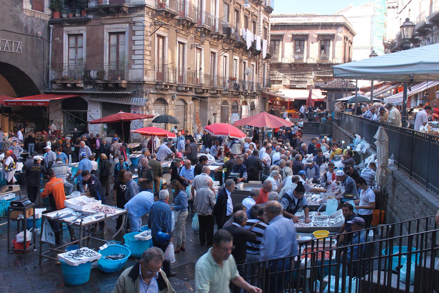 Catania: il ricco e vivace mercato del pesce