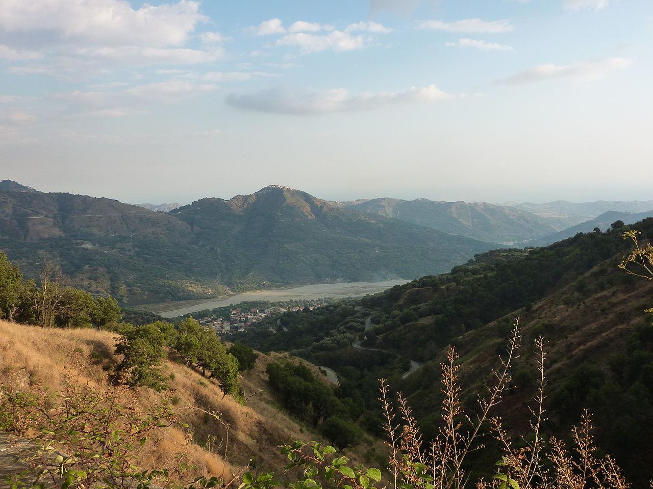 dai piani verso Bagaladi, valle del Tuccio, San Lorenzo