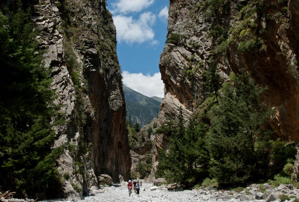 Le gole di Samaria scendono per oltre 1000 metri fino al mare