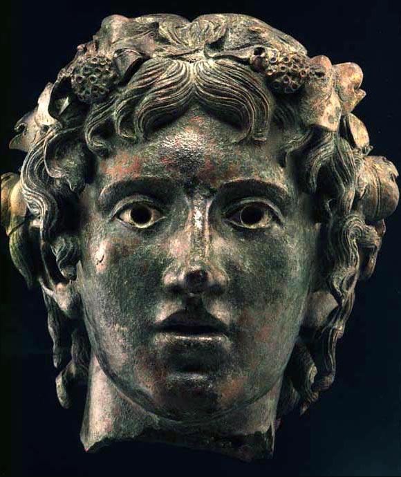 Statua bronzea di Dyonisos dio della vite e del vino
