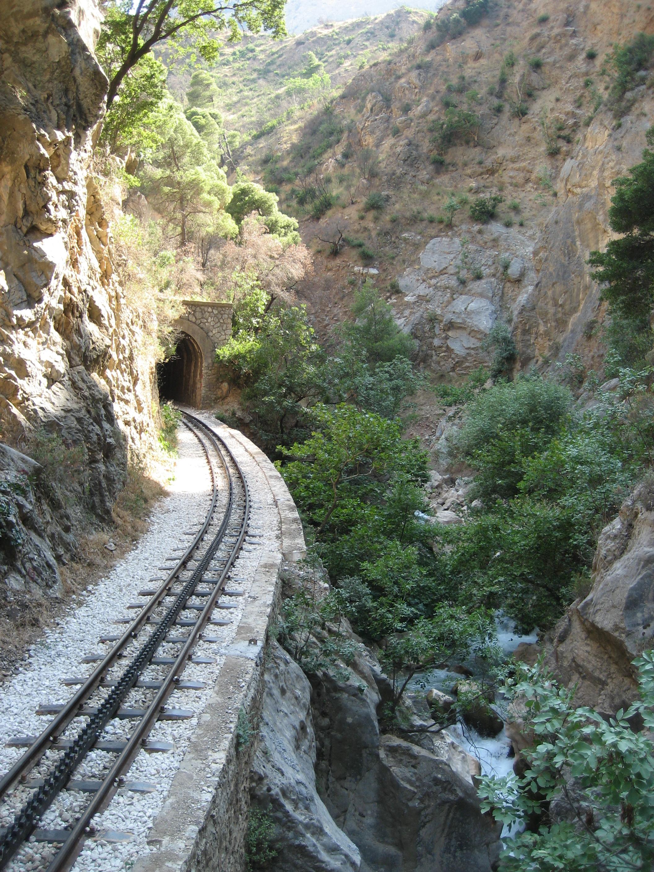 La ferrovia a cremagliera tra Diakoftò e Kalàvrita