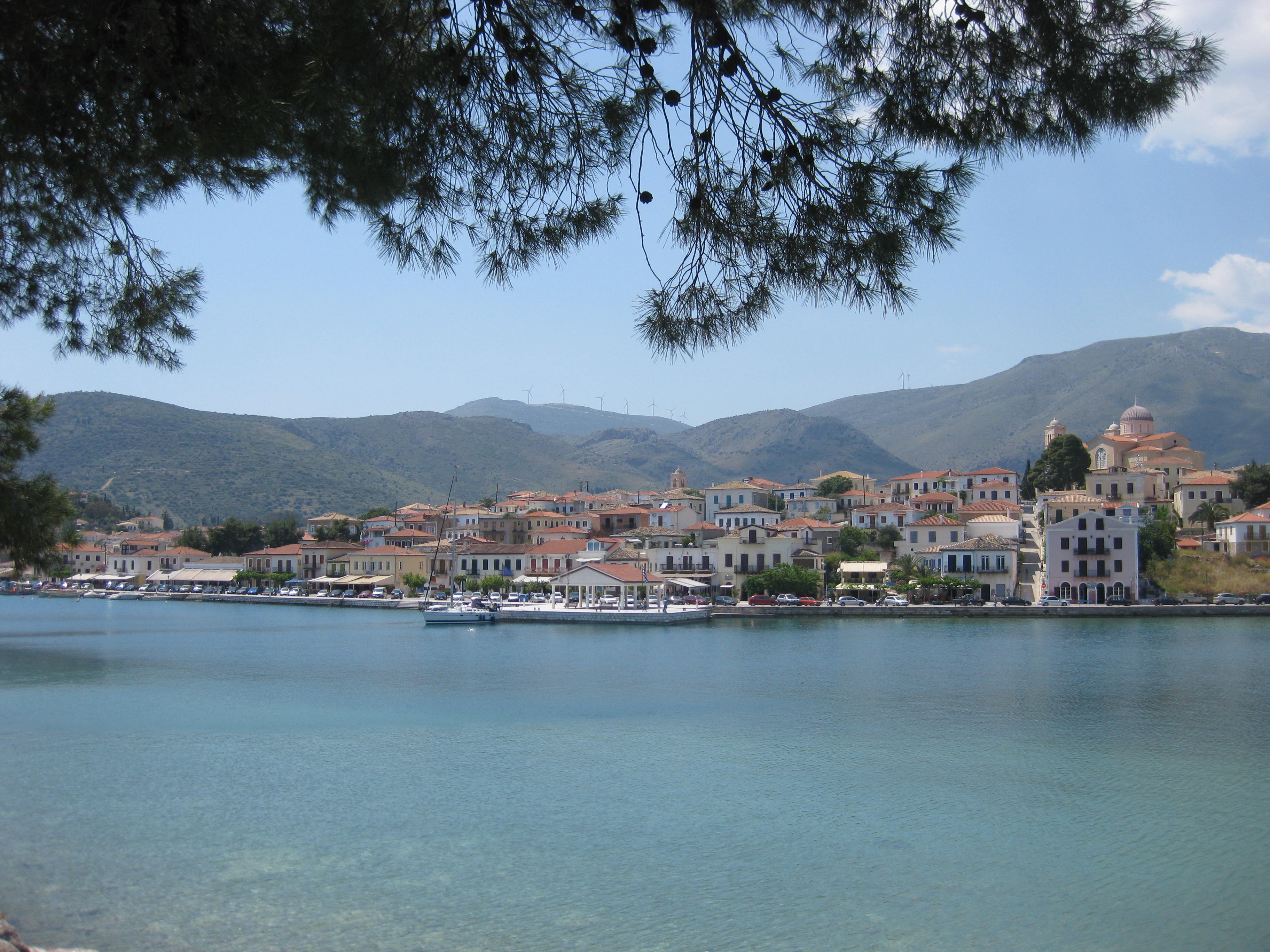 La cittadina di Galaxìdi è a pochi chilometri da Delfi e dai suoi monti
